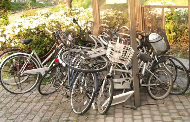 私有地に放置された大量の自転車回収致します